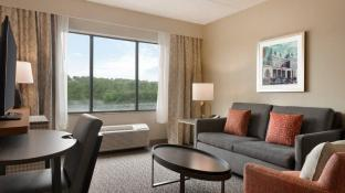 Holiday Inn Hotel & Suites Council Bluffs
