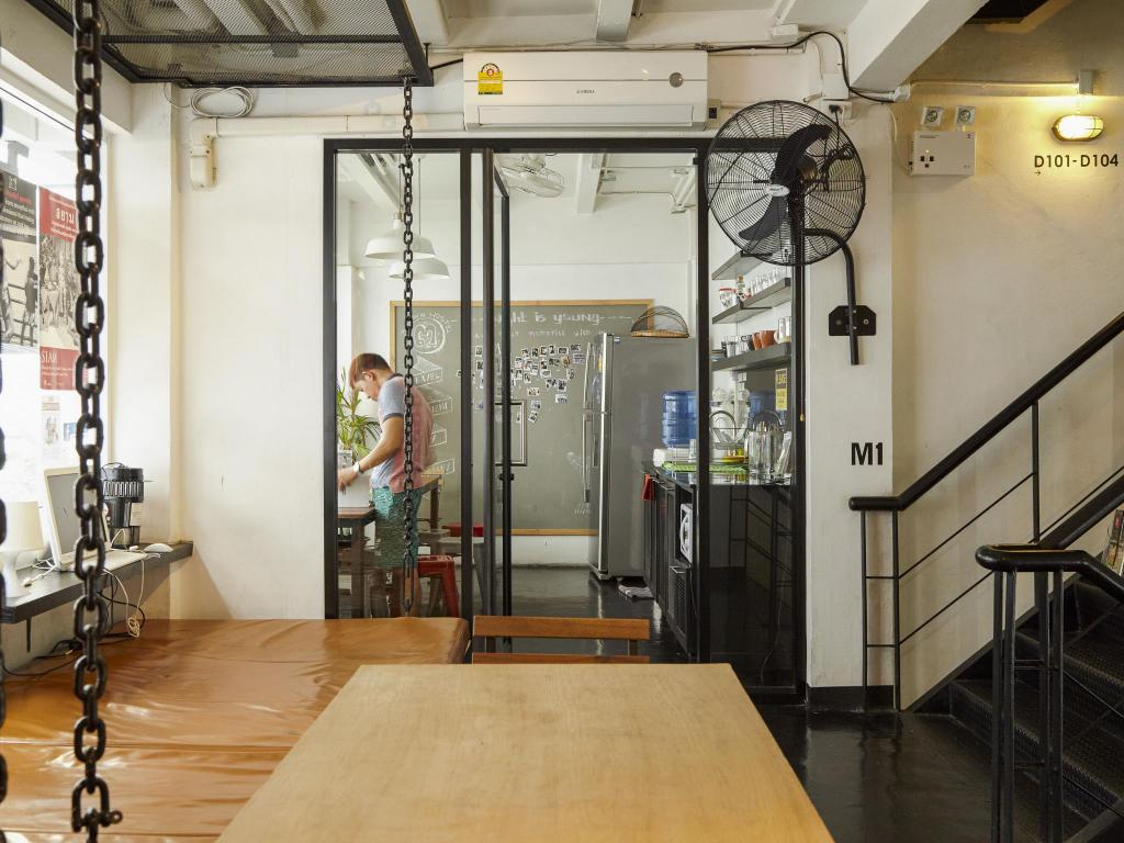 Интерьер 3 Howw Hostel at Sukhumvit 21