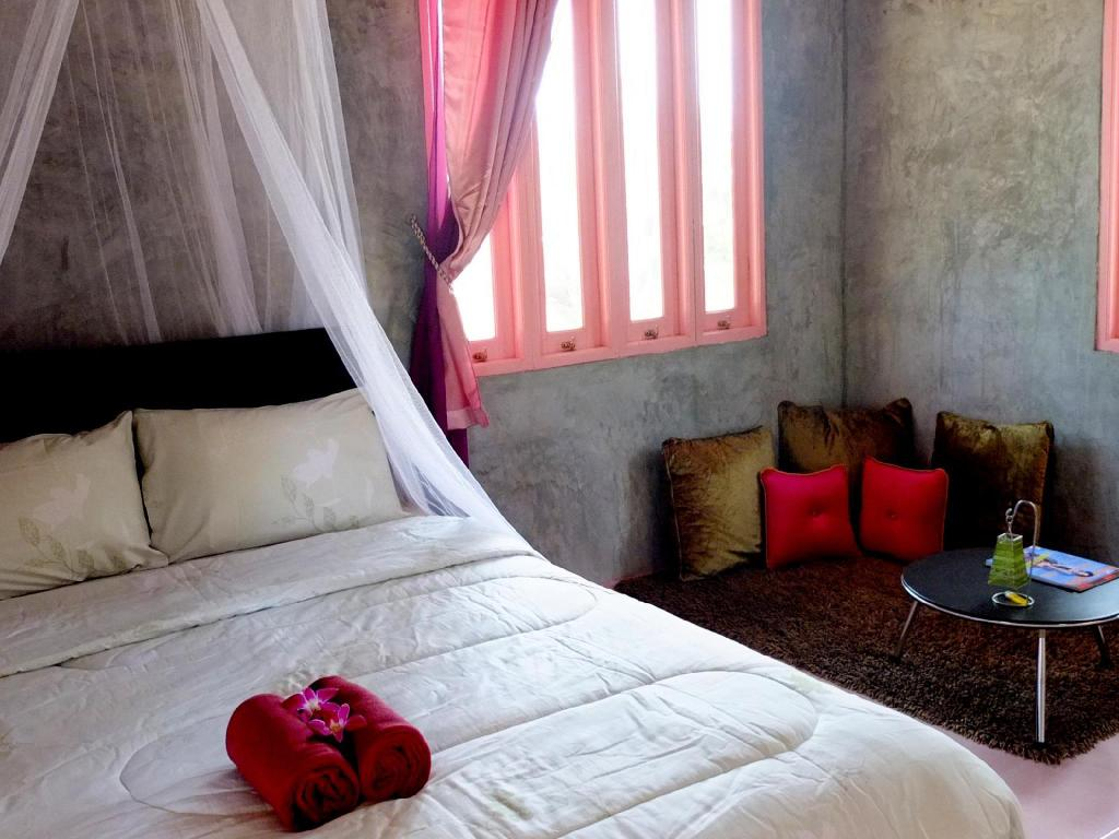 Pink Room At Home 172 Resort