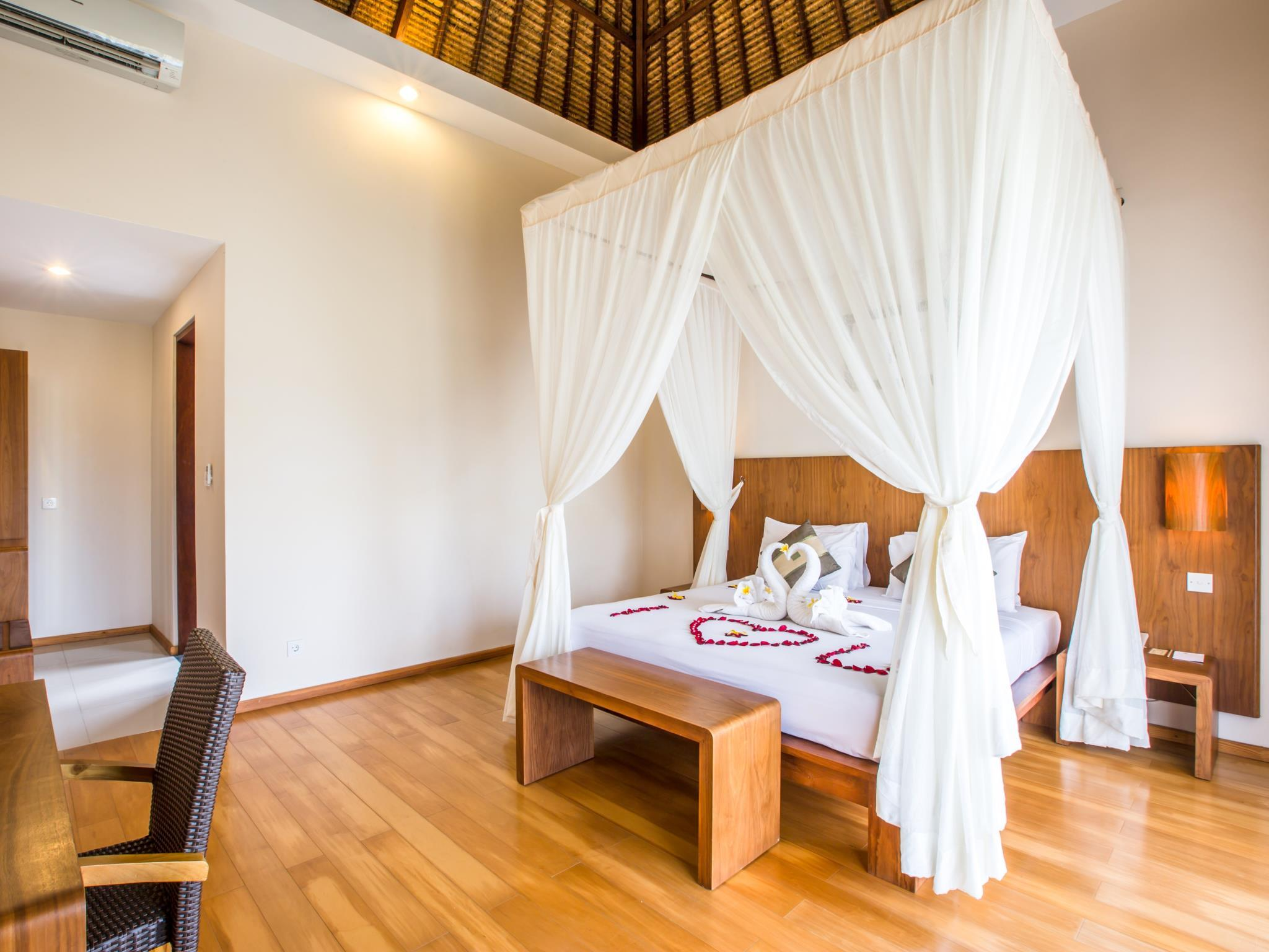 Suite Luna de Miel Oferta Especial (Honeymoon Hot Deal)