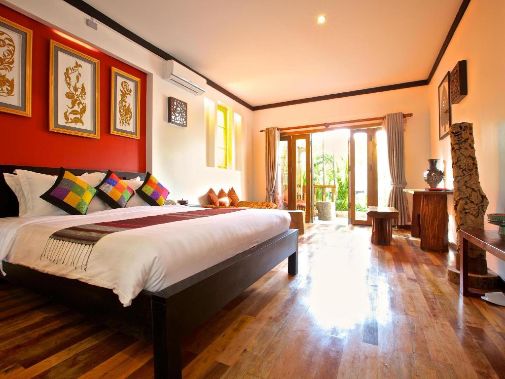 Interior view Three Rooms Angkor Orchid Secret Villa