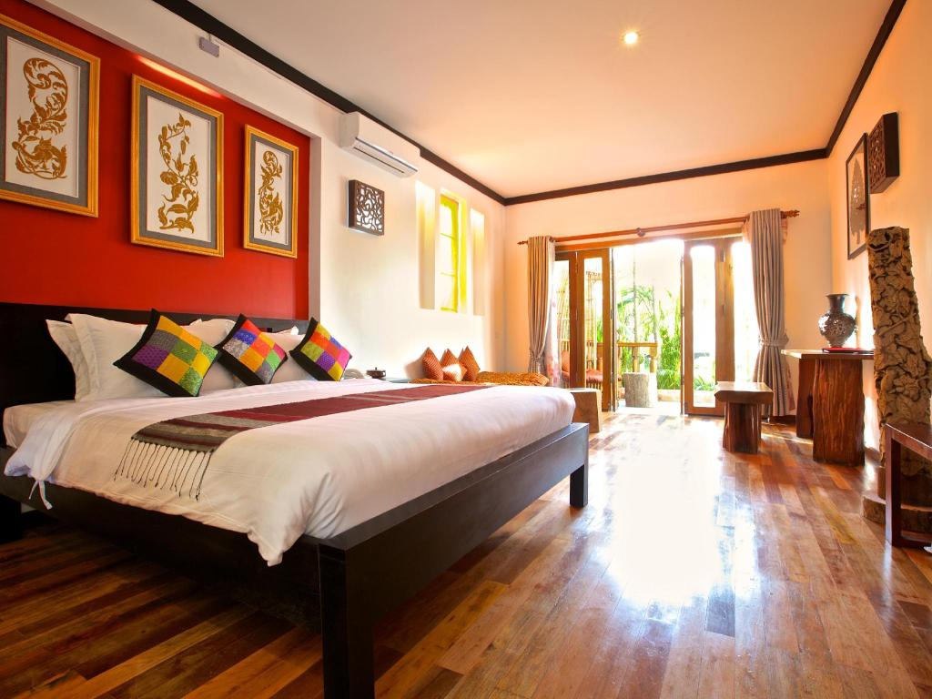 Junior Suite Pool View - Guestroom Three Rooms Angkor Orchid Secret Villa