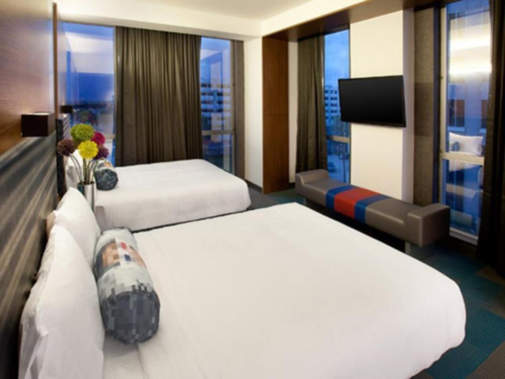 Accessible Queen - Guestroom Aloft Orlando Downtown