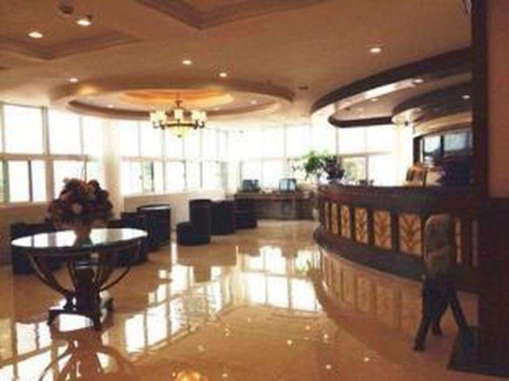 Lobby Green Tree Inn Xuzhou West District Huohua Shell Hotel