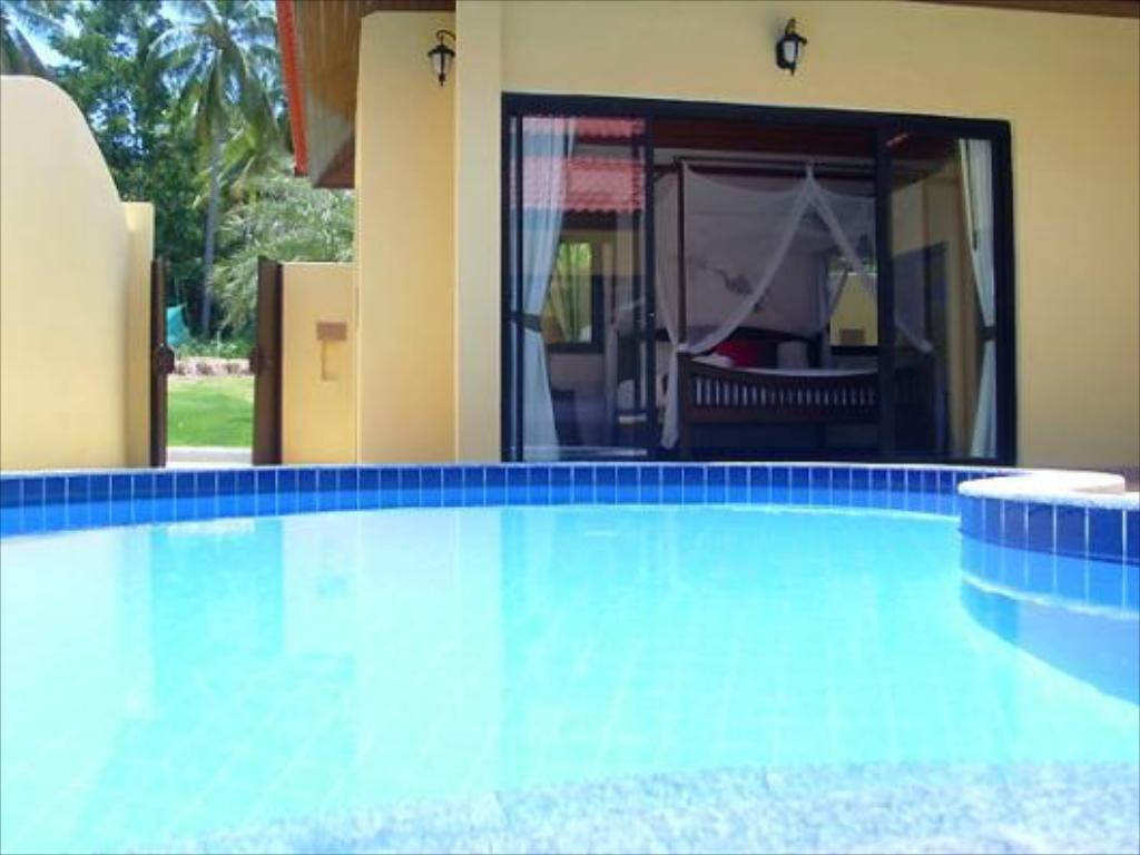 Swimming pool Samui Grove Villas