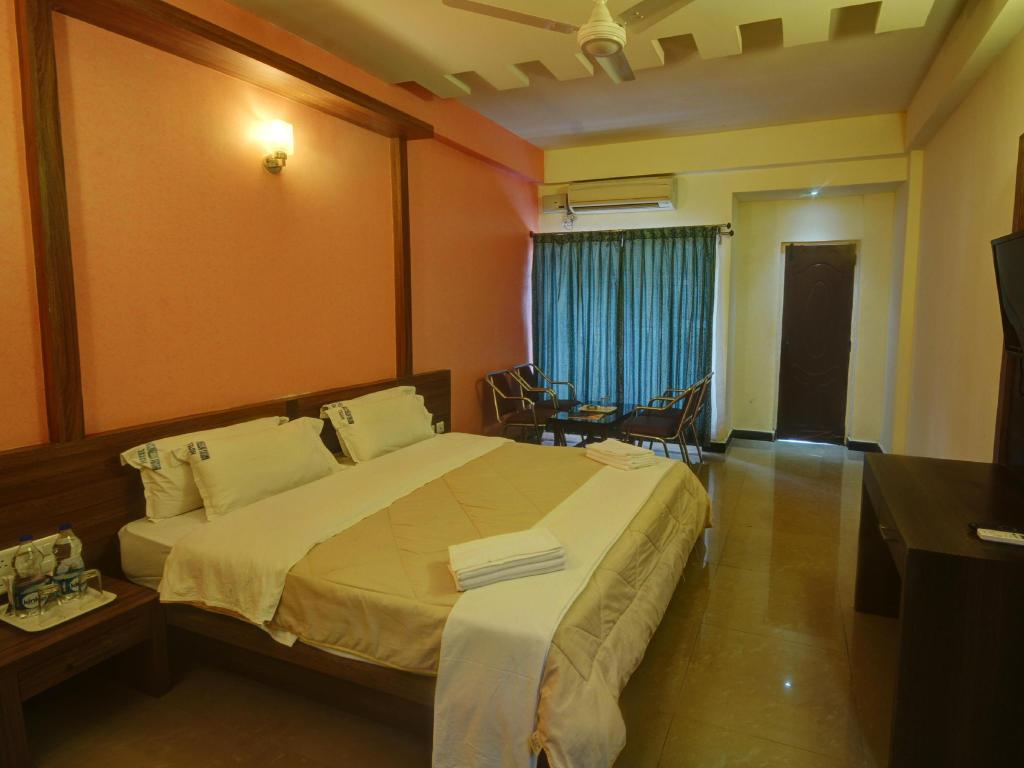 Deluxe Air Conditioning - Guestroom Hotel Mayura International