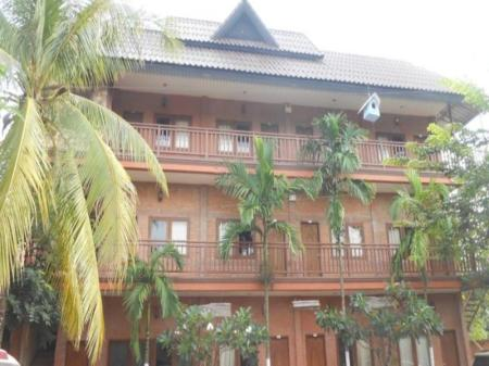 Buitenkant Chittavong Guesthouse