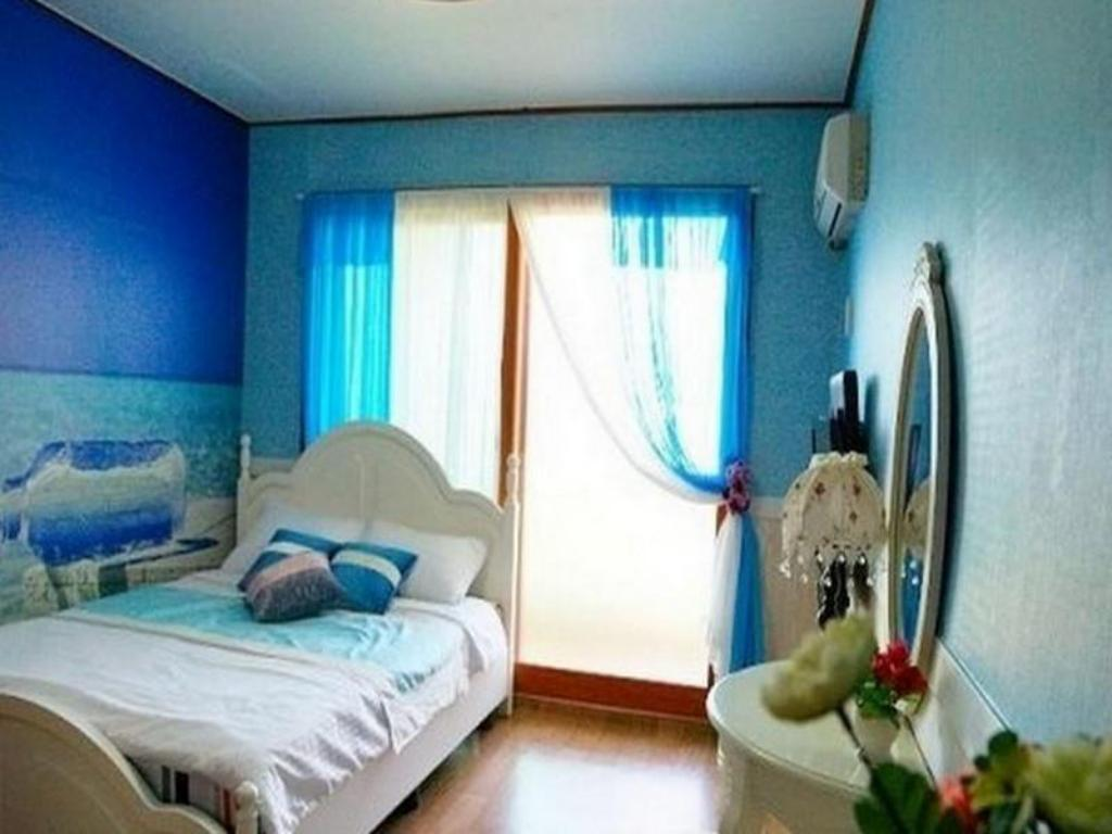 Double Bed Room - Guestroom Goodstay Neverland Pension