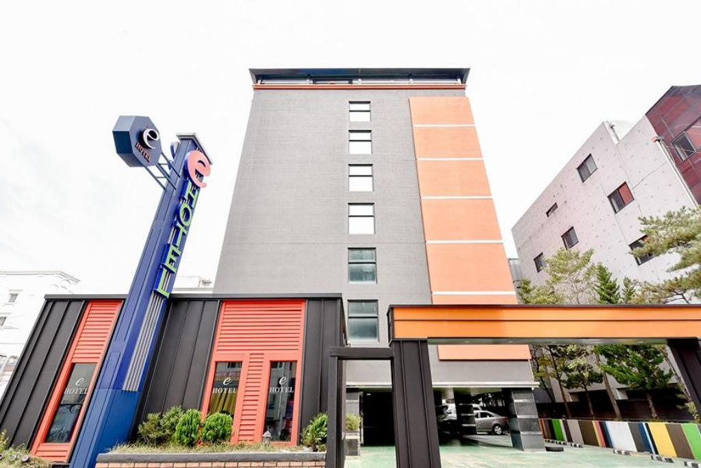 More about E Hotel Gumi