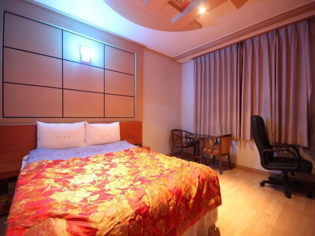 Standard Double Bed Room - Bed Theme Motel