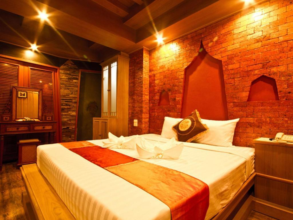 Superior - Bed Khum Jao Luang Boutique Hotel