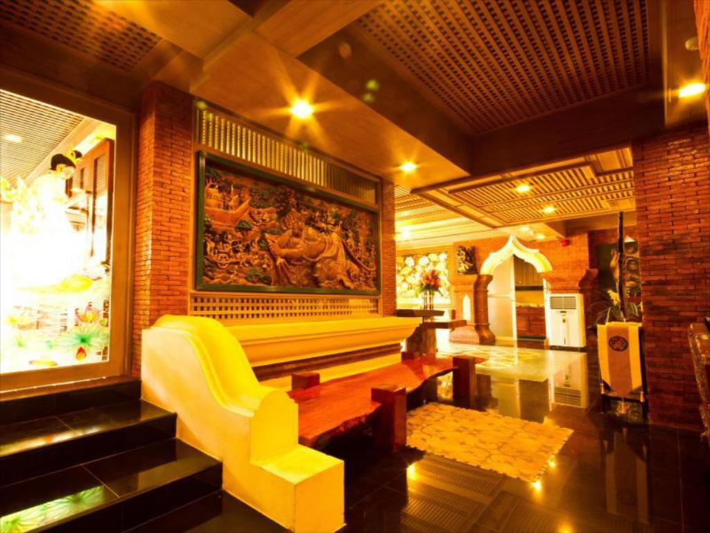 Lobby Khum Jao Luang Boutique Hotel