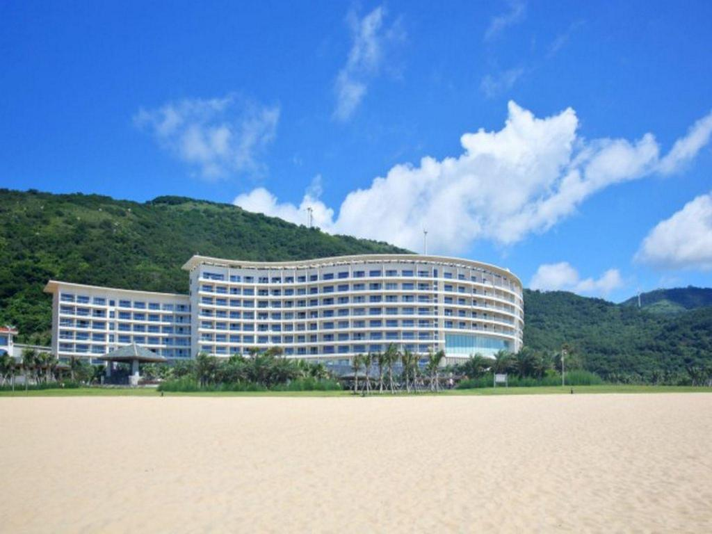 Days Hotel and Suites Yangjiang