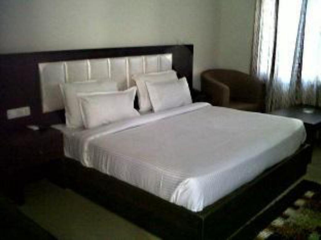 Executive Room - Bed Anandam Resort