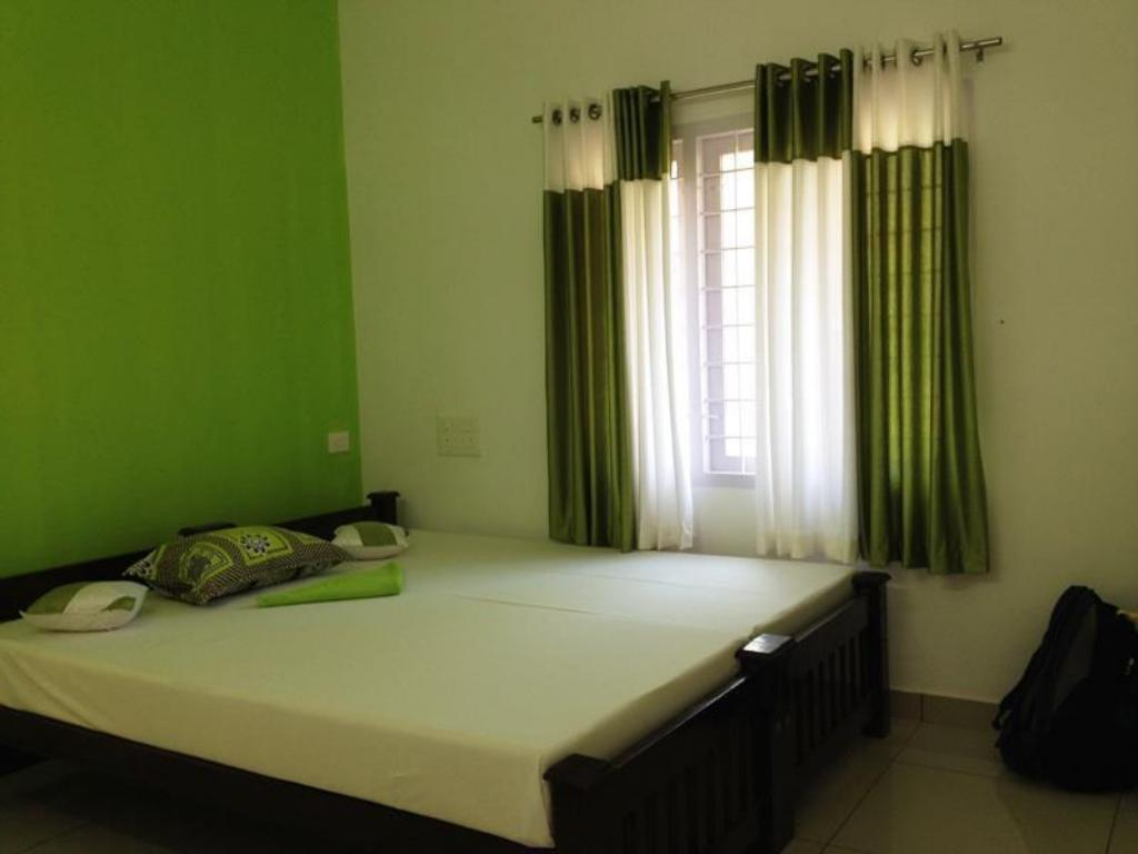 Deluxe Non- Air Conditioning Room - Bed Nest Homestay