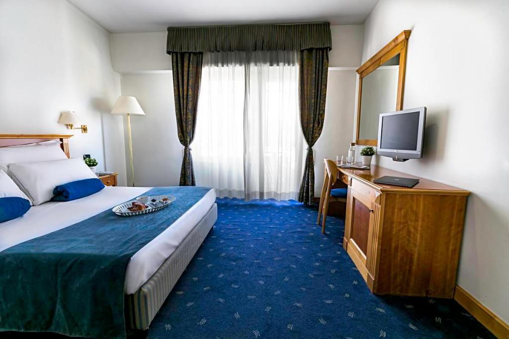 Single Room - Bed Hotel Diplomatic