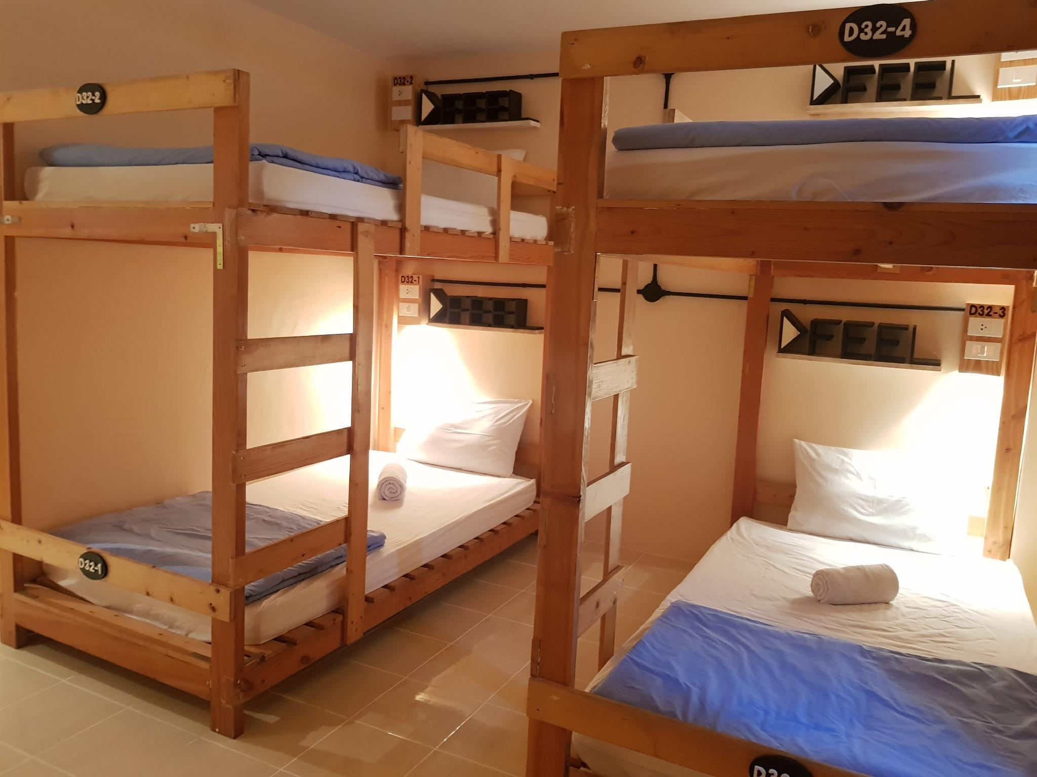 4人男女混合宿舍 (4-Bed Mixed Dormitory Room)