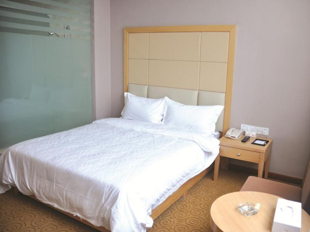 Standard Single Room Bedforu Business Hotel