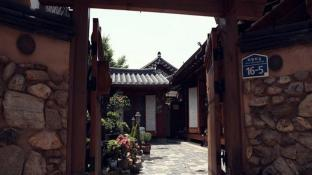 Daddle Hanok Guesthouse