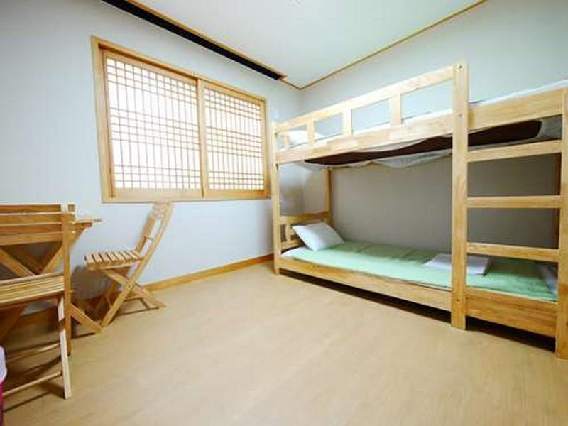 Economy Twin Bed Room (Bunk Bed)