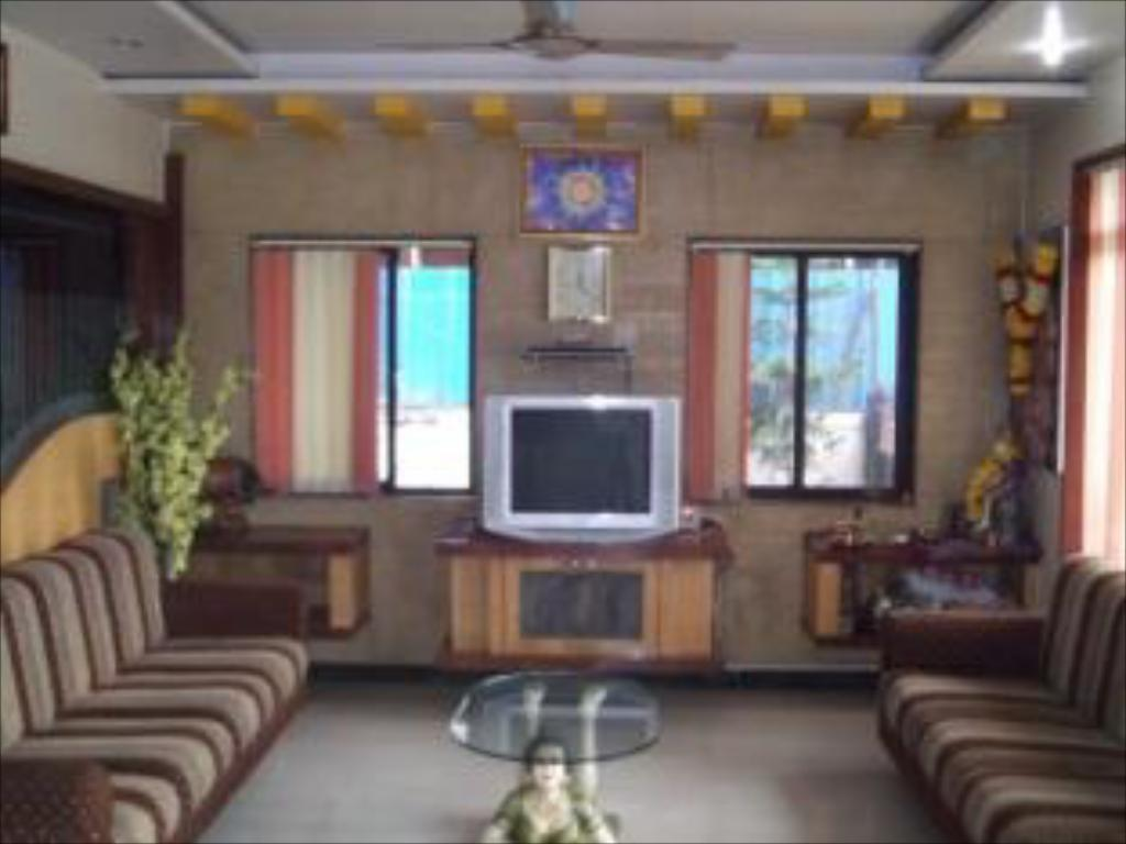 Hotel Sai Balaji Best Price On Hotel Sai Varsha In Shirdi Reviews