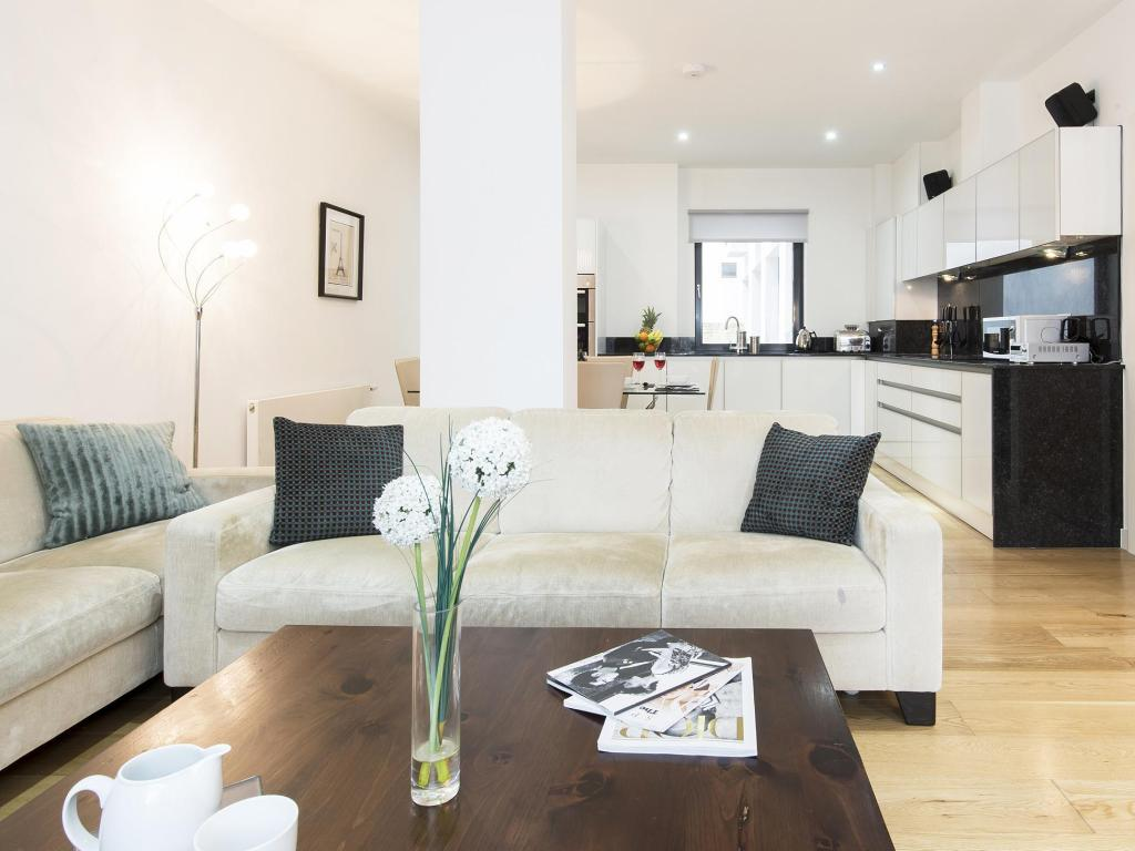 Felicidades Náutico Experto  London City Apartments Entire apartment - Deals, Photos & Reviews