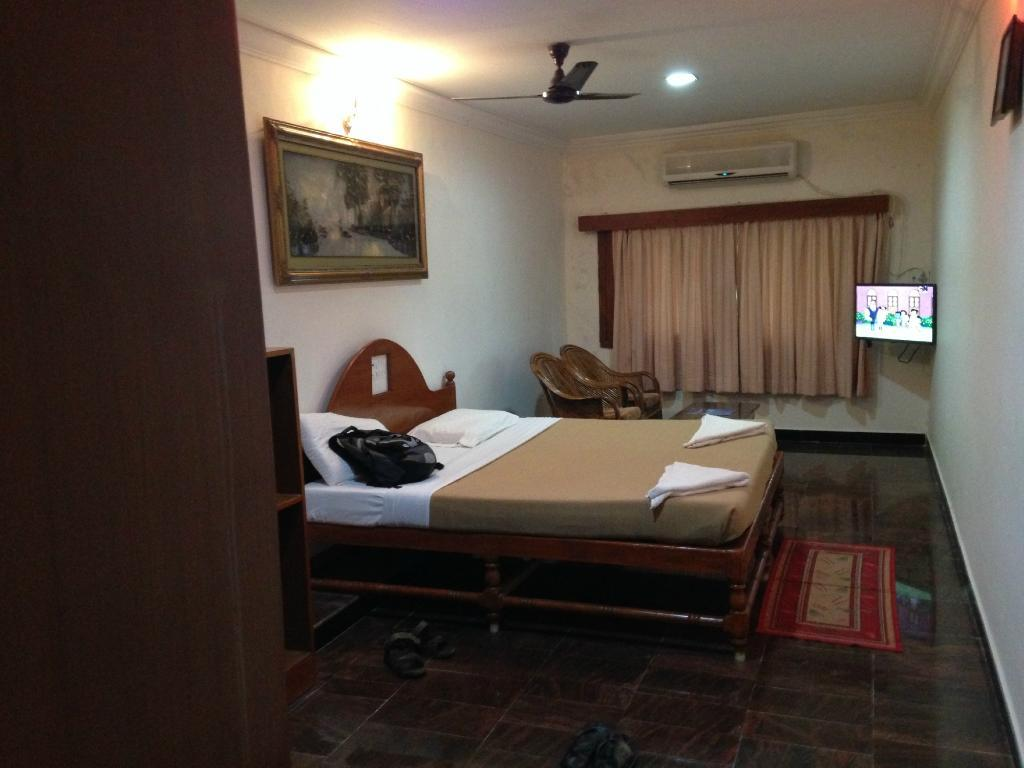 Large Double or Twin Room with Sea View