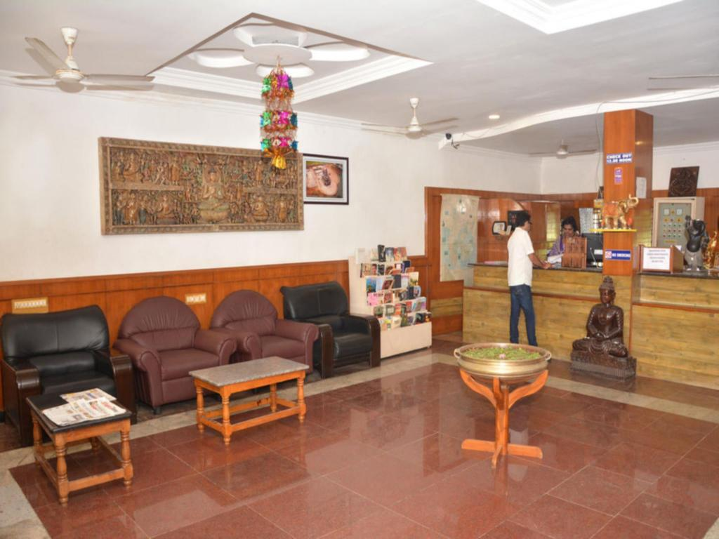 Lobby Hotel Sea Breeze at Mahabalipuram