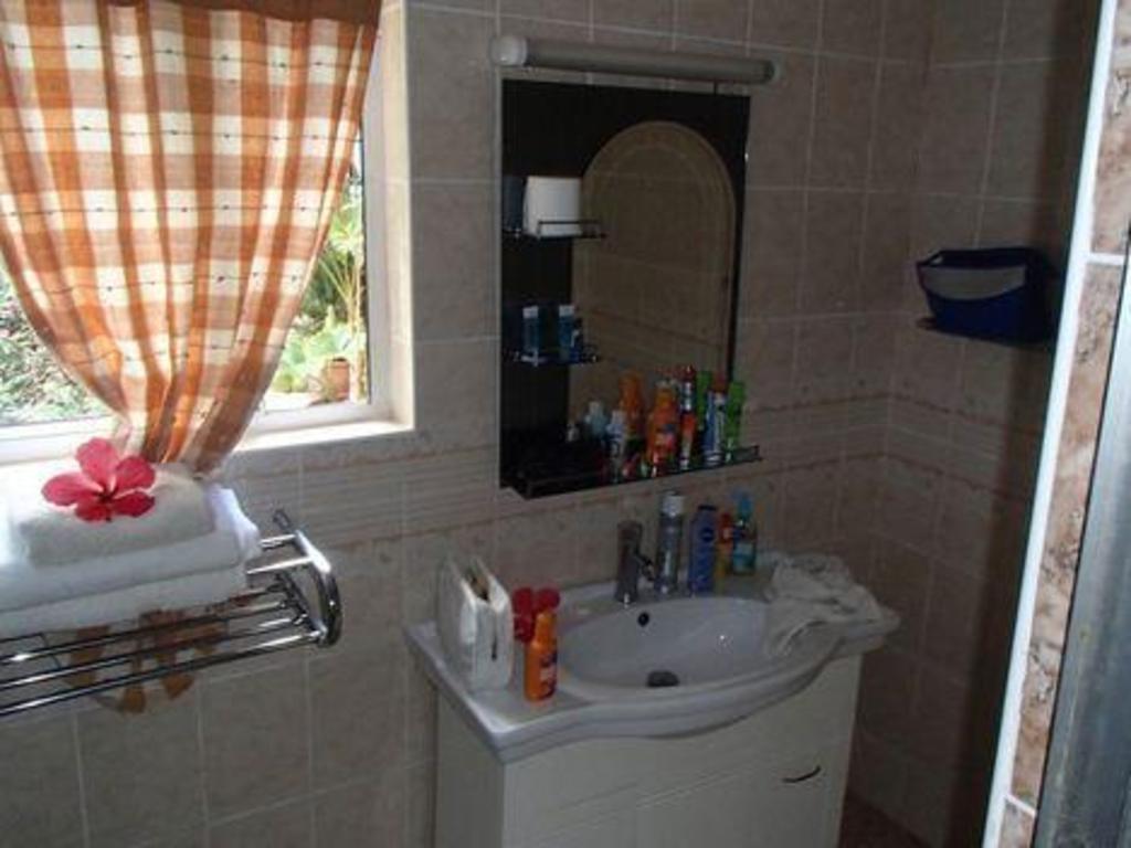 Rising Sun Guest House in Seychelles Islands - Room Deals, Photos ...