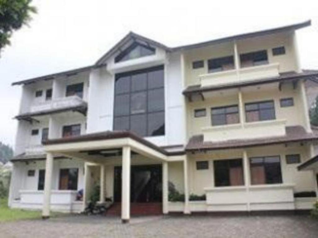 More about Diamond Hotel Lembang