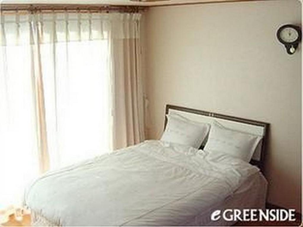 Standard Double Bed Room - Bed Greenside Pension