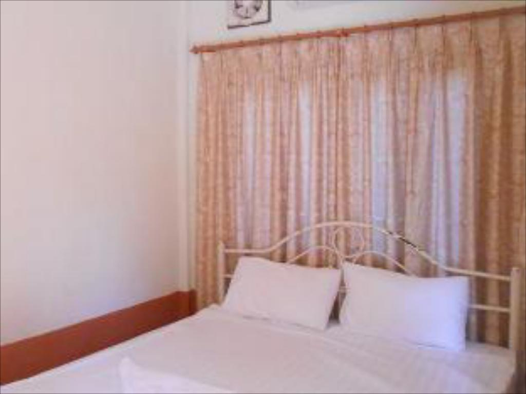Standard Double Room - Bed Paliya Hotel