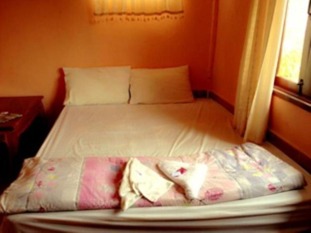 Double Bed Room - Bed Souksamlan Guesthouse