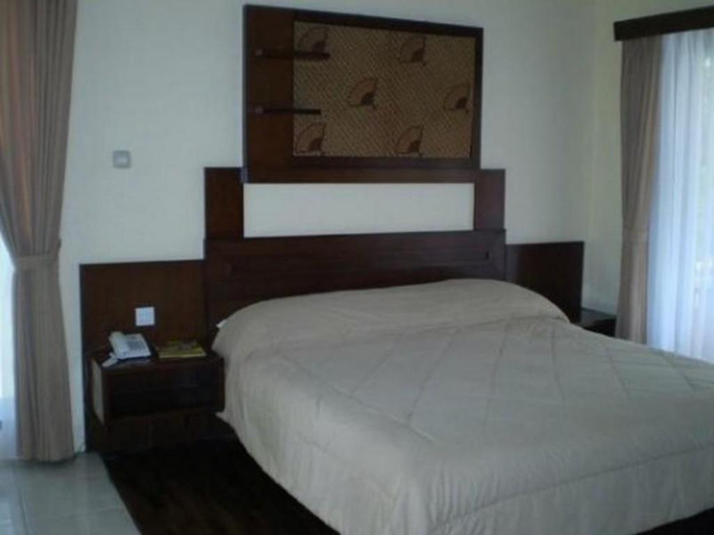 Superior - Bed Sindang Reret Hotel and Resto Cikole