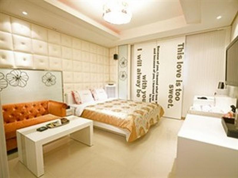 豪华双人床间 (Deluxe Double Bed Room)