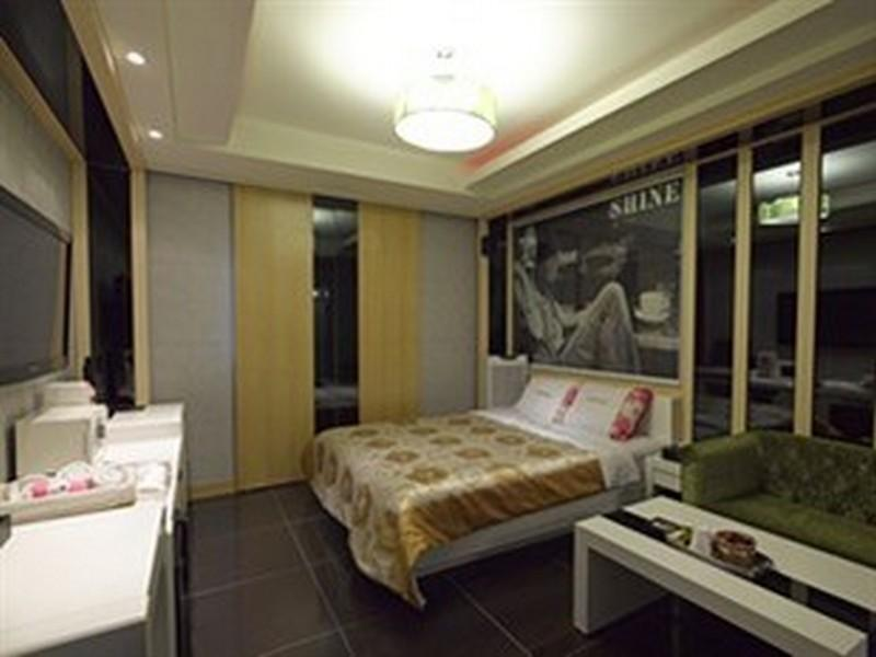 标准双人床间 (Standard Double Bed Room)