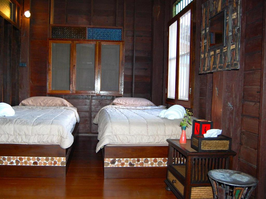 Standard Twin Bed - Guestroom Swiss-Lanna Lodge