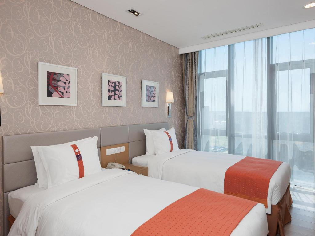 2 Bedroom Suite - Bed Holiday Inn Express Beijing Yizhuang
