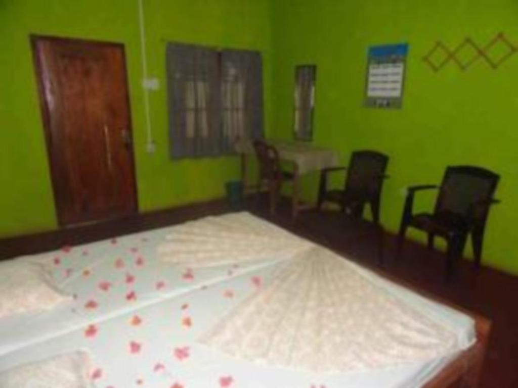 Double with Fan - Guestroom Sisila Residence
