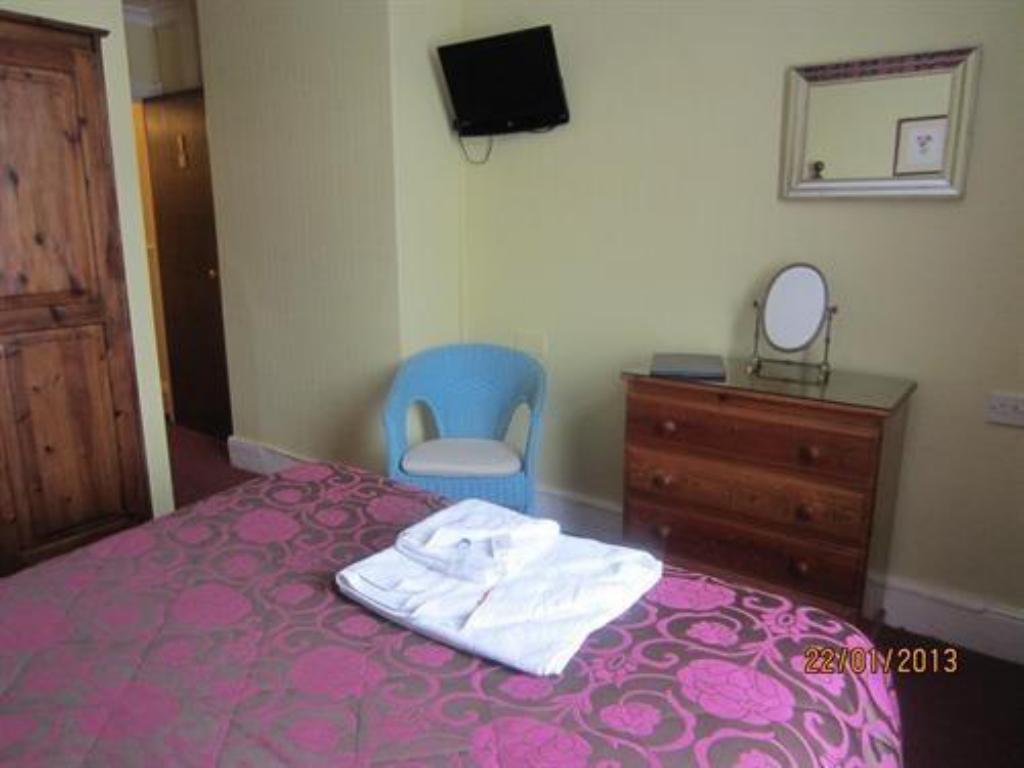 Single Room - Guestroom Hamilton Court Guest House