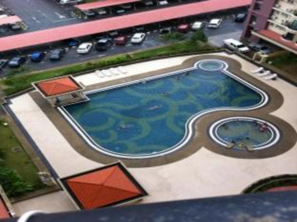 Swimming pool Kuching Budget Apartment L2