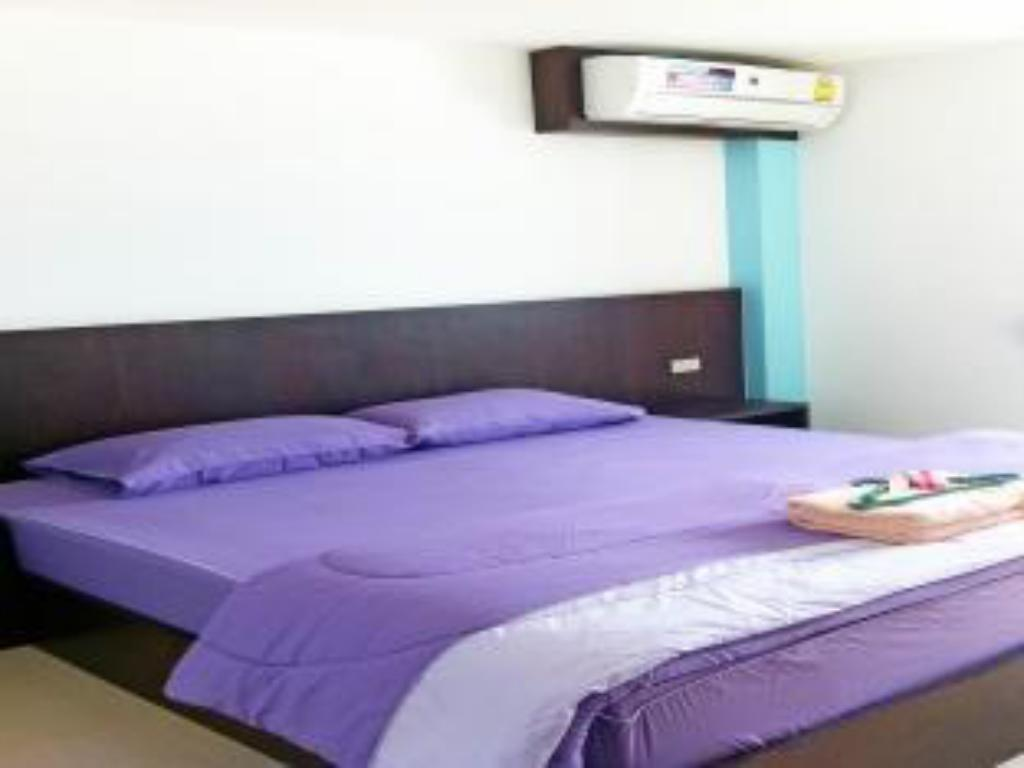 Standard Double Bed - Bed Sansabai Place