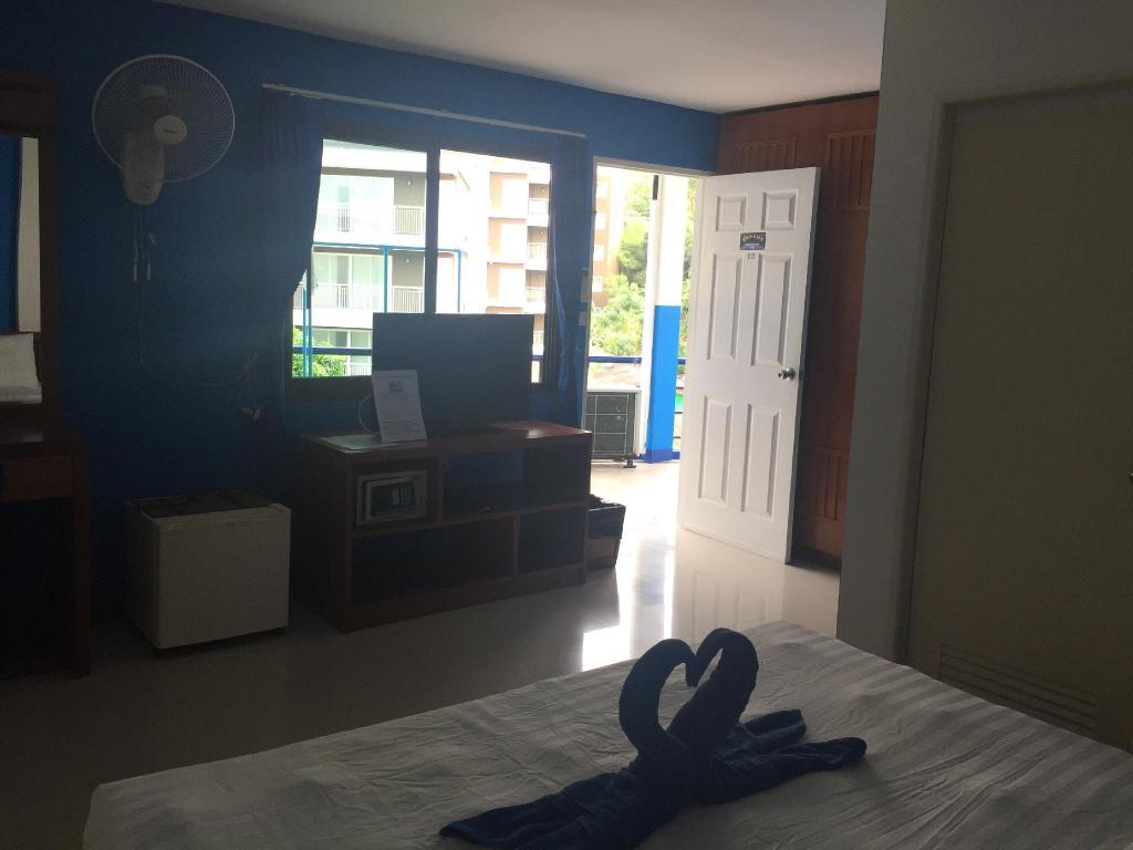 Budget Fan Room - View Dreams Guesthouse & Hostel Patong