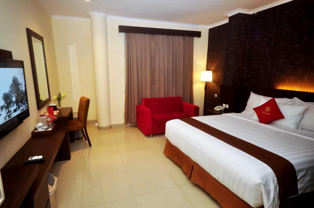 Best Price On Nueve Malioboro Hotel Yogyakarta In