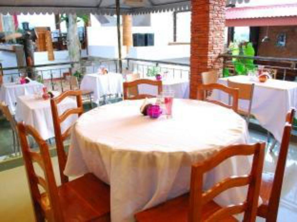 See all 15 photos Puerto Vista Restaurant and Pension House