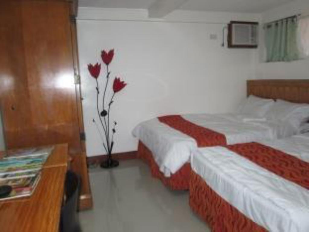 Barkada Room - Guestroom Puerto Vista Restaurant and Pension House