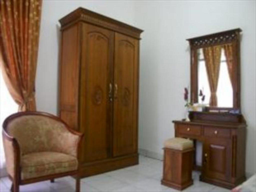 Interior view Puri Karunia Guest House 1