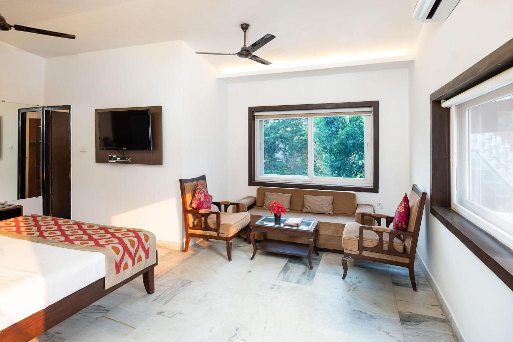 Hotel Divine Ganga Cottage in Rishikesh - Room Deals, Photos