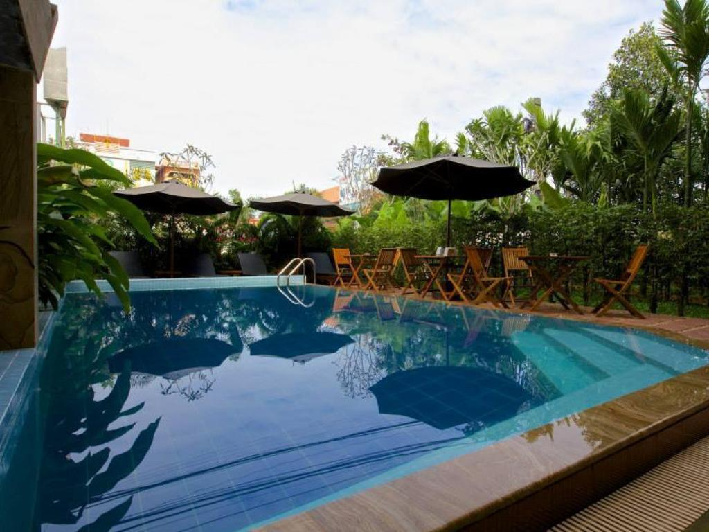 Swimming pool Angkor Vattanakpheap Hotel