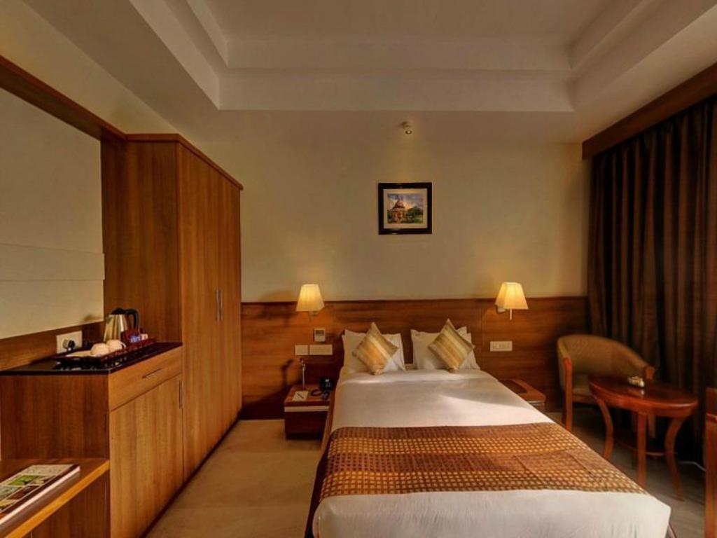 Le Executive Room - Guestroom Hotel Le Ruchi The Prince